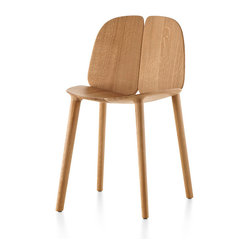 Mattiazzi - Mattiazzi Osso Chair - Two halves make a whole — a whole lot of sexy, that is. Each sculptural side of this chair is crafted from natural oak that is waxed to shine a light on its natural beauty. And they're joined together to make a functional piece of modern art for your favorite room.