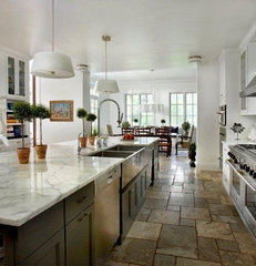contemporary kitchen by Laurel Feldman Interiors, IIDA