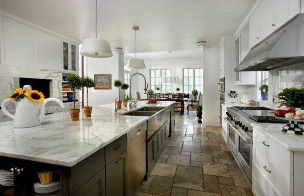 Contemporary Kitchen by Laurel Feldman Interiors, IIDA