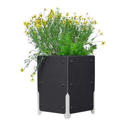 SHIFT_DESIGN - Bolton Short Planter, Matte Black - Outdoor Planter