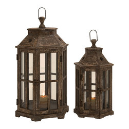 ecWorld - Urban Designs Weathered Wood 2-Piece Hexagonal Lantern Candle Holder Set - Line pathways and stairs with soft, flickering candlelight, this unique 2-piece candle holder set is ideal to provide welcoming glow to any home decor.