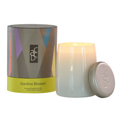 ACDC - Luxury Scented Soy Candles, Giardino Blossom - The scent of European gardens filled with meadow flowers is realized in a bouquet of ylang ylang blooms, fresh lily blossoms, yellow rose, lemongrass and romantic star jasmine. A lovely floral home fragrance for the flower lover,  spring or summer.