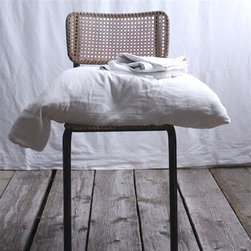 Vintage Linen Pillowcase - I use linen in all the rooms of my home and think it's quite the luxury. Sleep is so vital in our busy lives, so why not indulge where it matters most?