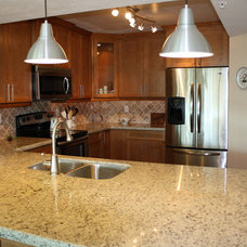 Traditional  by Best Kitchen Cabinet Refacing of Naples