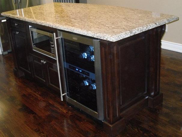 Modern Kitchen Islands And Kitchen Carts by Exquisite Kitchens & Vanities Inc.