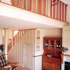 Traditional Staircase by Eck | MacNeely Architects inc.