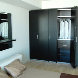 Built-in Closets - All the space you need at your doorstep. Take your closet space to a new level. A modern solution to simplify your life. Our practical designs will enhance amplitude. With the right design modern closets offer the space you need to storage all your fashion and belongings. Dayoris is one of the reputable brands when it comes to customized closets. We have different veneers to match your furniture and interior design.