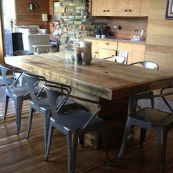 Rusted Creek. Rustic Chic. - Farmhouse Dining Table with Pedestal Base made from Reclaimed Wood.