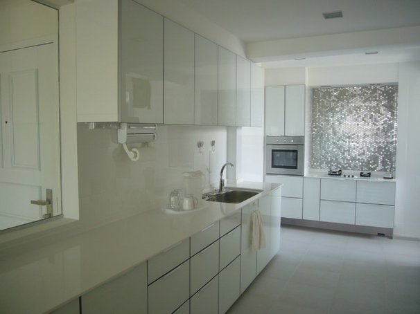 Contemporary Kitchen by i.poise pte ltd