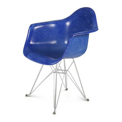 Eames-Style DAR Fiberglass Shell Chair, Arm Shell, Eiffel Base, Royal Blue - Add iconic chairs to your home for a strong design statement. These fiberglass Eames-style chairs are a fabulous idea for happy homes.