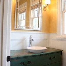 Traditional  by Garrison Hullinger Interior Design Inc.