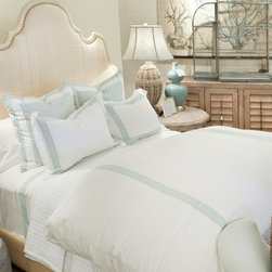 Montague and Capulet California King-Eastern King Duvet White/Blue - Bold stripes doubly re-define your bed as a space that's comfortably luxe and relaxing to feel, but active and decisive to view. This contrasting treat for the senses is the characteristic of the Live to Tell collection of high-end bedding, and is well-expressed by the wide and vivid spaces of this knife-edged Egyptian cotton duvet. A zip closure to the washable cover allows for an easy and immediate personality change for your bed.