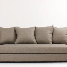 Modern Sofas by VIOSKI