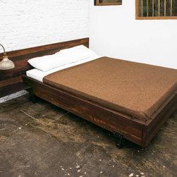 Bedroom Ideas - Platform Beds - Bedroom Ideas - Platform Beds: A Stylish Alternative To A Mattress And Box Spring - http://www.homethangs.com/blog/2014/08/platform-beds-a-stylish-alternative-to-a-mattress-and-box-spring/