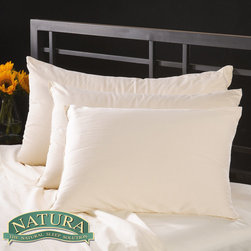 Natura World - Natura Pure Virgin Wool-filled Pillow with 230 TC Cover - It's sweet dreams ahead when you sleep on this plush virgin wool pillow. This pillow features an unbleached,320-thread count cotton cover that is filled with wool to be soft and pliant under your head so that you can get a better night's sleep.
