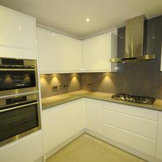 Modern Kitchen by Grand Design London