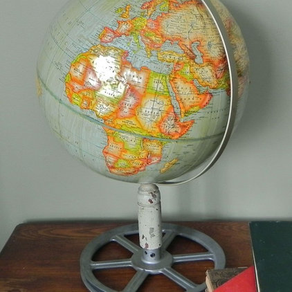 Traditional Accessories And Decor Vintage Globe on Industrial Stand