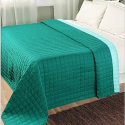 Quilted Reversable Bedspread Teal & Blue - Excellent 100% cotton bedspread from Homescapes. It gets even better being fully reversible with two well coordinated colours on either side. You can completely change the look of your bedroom by turning the same bedspread over. Its very well made and weighs approximately 400 gsm which makes it a heavy bedspread.