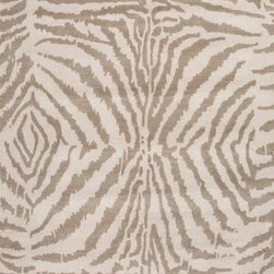 Jaipur - Jaipur En Casa by Luli Sanchez Tufted Zebra Ikat 5' x 8' White, Silver Gray Rug - This Hand Tufted area rug would make a great addition to any room in the house. The plush feel and durability of this area rug will make it a must for your home.
