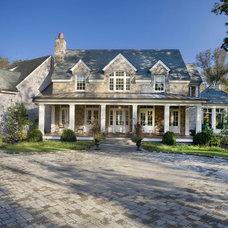 Traditional  by Stone Ridge Custom Homes