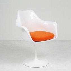 Modern Classics - Saarinen: Tulip Armchair Reproduction - Features: