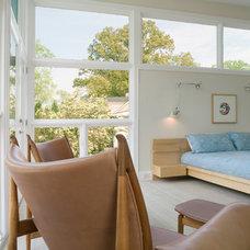 Modern Bedroom by j robert bazemore