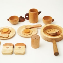 Wooden Chef Set - The thing I love most about wooden toys is that they look great even when they are not being played with. In addition, Soopsori's toys are handmade from sustainably harvested wood and finished with natural oils. Hurray!