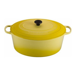 Le Creuset - Le Creuset 15 1/2 Qt. Signature Goose Pot  - Soleil - The generous proportions of this oversized oval oven provide more than 15 qt. of capacity for cooking a Thanksgiving turkey, a Christmas goose, or any large dish like chili or stew for a group outing or catered event.