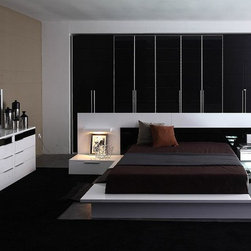 VIG Furniture - Impera - Modern-Contemporary lacquer platform bed, Queen - The Impera model is versatile, offering you a sophisticated modern look, so it can adapt to the furnishing needs of your home.