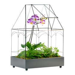 H Potter - Wardian Case / Terrarium - Arched Roof - Your prized plants are show stoppers and know how to raise the roof once in a while. This Wardian case can keep up with the best of them. Made of glass and gray, powder-coated metal, it features a roof-raising feature when it's getting just a little too hot to handle in da house.