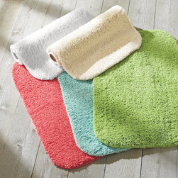 Grandin Road - Essentials Low Lint Bath Rug - Soft, durable bath rug with rounded corners and a non-skid backing. Low-lint polyester. Machine washable. Place our non-skid Solid Bath Rug on any floor-especially slick tile-and the whole family can step in and out of the shower safely.  .  .  . Imported.