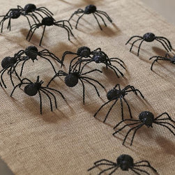 Glitter Spider Vase Filler - Give your guests a small heart attack by scattering these on the floor. Or on the table. Or fill a vase with them.
