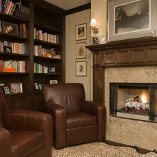 Traditional Living Room by Environs Development