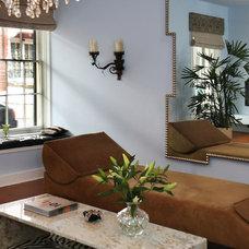 Modern Living Room by Reynaldo Gonzalez Design