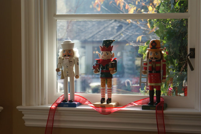 Traditional  Finishing Touches- Junior League of Palo Alto-Mid Peninsula Holiday House Tour