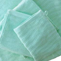 Bath Linens Find Shower Curtains Towels And Bath Mats