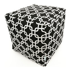 Indoor Black Links Small Cube