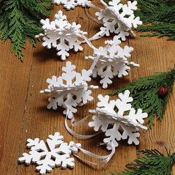 Blizzard Garland - Set of 6 - With six mini garlands that link together into one great flurry, you can decide the level of snowfall in your space. These charming three-dimensional shapes are a fun way to celebrate winter with a classic, modern twist.