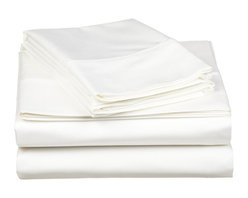 """530 Thread Count Egyptian Cotton California King White Solid Sheet Set - Our 530 Thread Count Sheet Set offers the ultimate softness of a lower thread count. They are composed of premium, long-staple cotton and have a """"Sateen"""" finish as they are woven to display a lustrous sheen that resembles satin. Set includes: (1) Fitted 72""""x84"""", (1) Flat 108""""x102"""", (2) Pillowcases 20""""x40"""" each."""