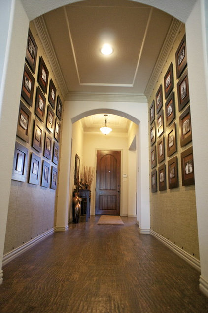 Traditional Hall by JDS DESIGNS