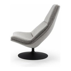 Artifort - Artifort | F 510 Lounge Chair - Design by Geoffrey Harcourt RDI, 1967.By Artifort. Nostalgic comfort. Geoffrey Harcourt's shell seats are futuristic and yet pleasantly nostalgic at the same time. Through its use in offices and public spaces, the series has acquired a permanent place in the homes of people with a taste for style. The comfortable shell seat on a solid metal base simply invites you to sit and relax. Also available, is a coordinating ottoman which provides extra comfort (sold separately). The F 510 is a high back armless lounger featuring a disc base with a powder coat color finish. Select powder coat finish, then select from an extensive palette of hundreds of fabric and leather options to complement your modern living space.