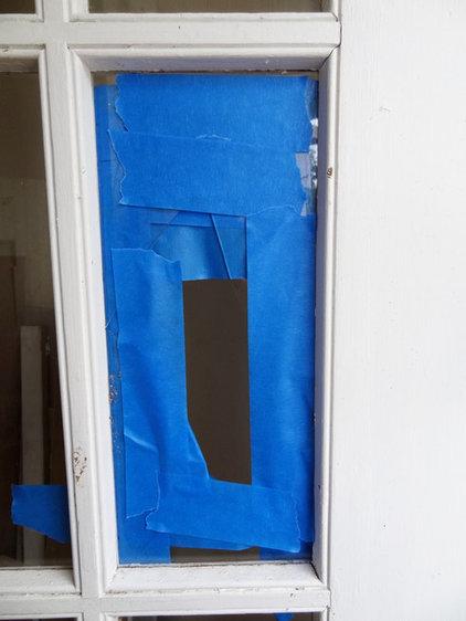 how to fix a broken door frame