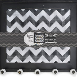 Enchante Accessories Inc - Decorative Vintage Style Wooden Framed Wire Wall Board with 5 Knobs  Black - Decorative vintage style wooden framed wire wall board