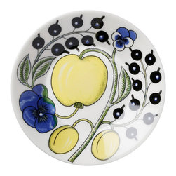 """iittala Paratiisi Coffee Saucer 5.5"""" - Birger Kaipiainen's Paratiisi dishes combine well-defined and controlled shapes with rich decoration, achieving a beauty that never fails to inspire. The captivating Paratiisi range is a much-loved classic from Arabia. It only takes one Paratiisi dish in a table setting to turn a meal into a celebration."""
