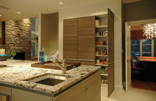 Modern Kitchen by Guthmann Construction