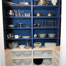 Traditional  by Your Custom Cabinetry Corp