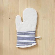 Traditional Oven Mitts And Pot Holders by West Elm
