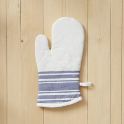 Oven Mitt, Café Stripe - A café stripe makes these oven mitts a pleasure to use.