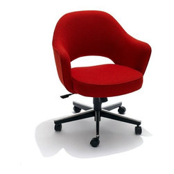 Knoll - Knoll | Saarinen Executive Armchair with Swivel Base - Design by Eero Saarinen, 1950.