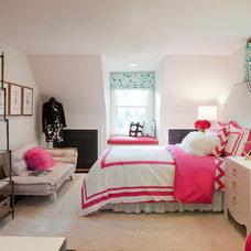 Traditional  by Roxanne Lumme Interiors, LLC
